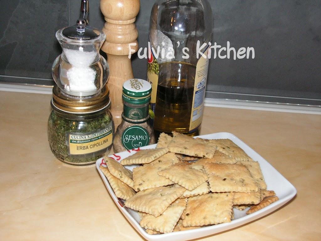 #Crackers con #erba #cipollina e #sesamo