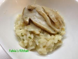 Risotto con funghi porcini e salsa di noci