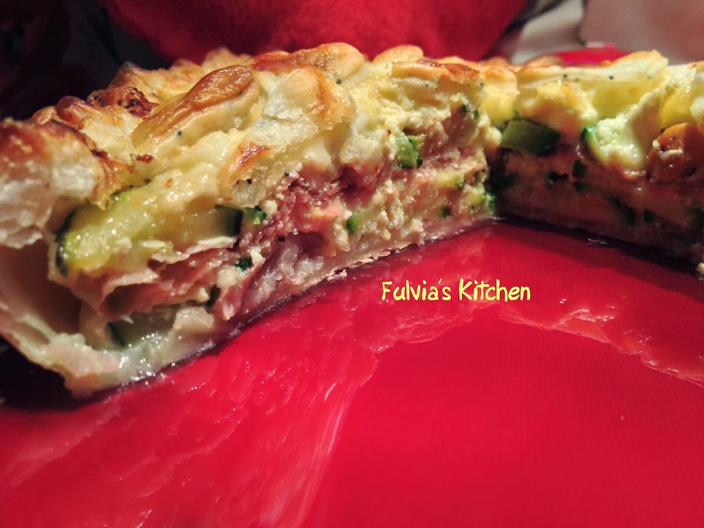 Torta salata con speck, zucchine e brie