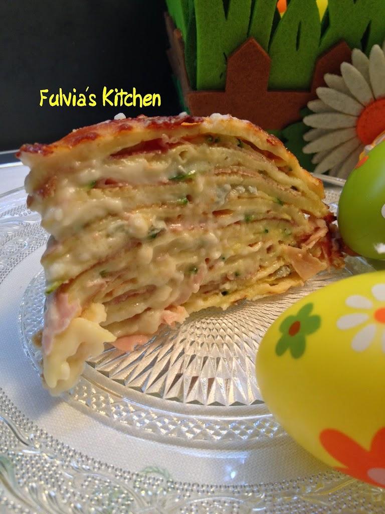 Torta di crespelle con gorgonzola, prosciutto cotto e zucchine
