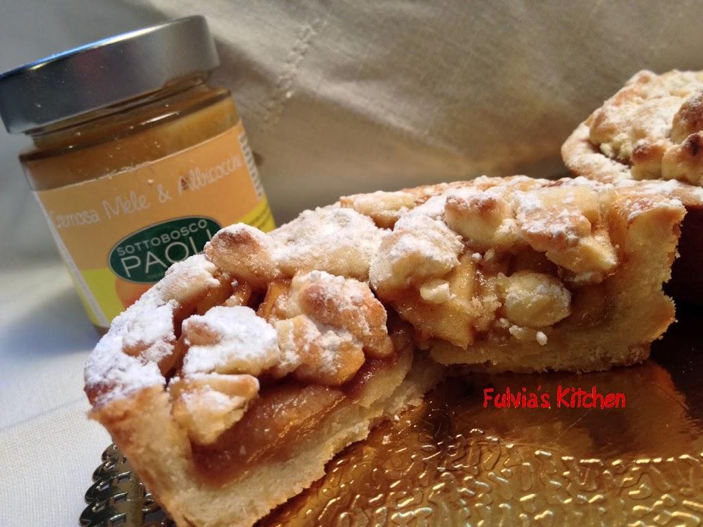 Crostatine con crumble, mele e Cremosa di mele e albicocche Sottobosco Paoli