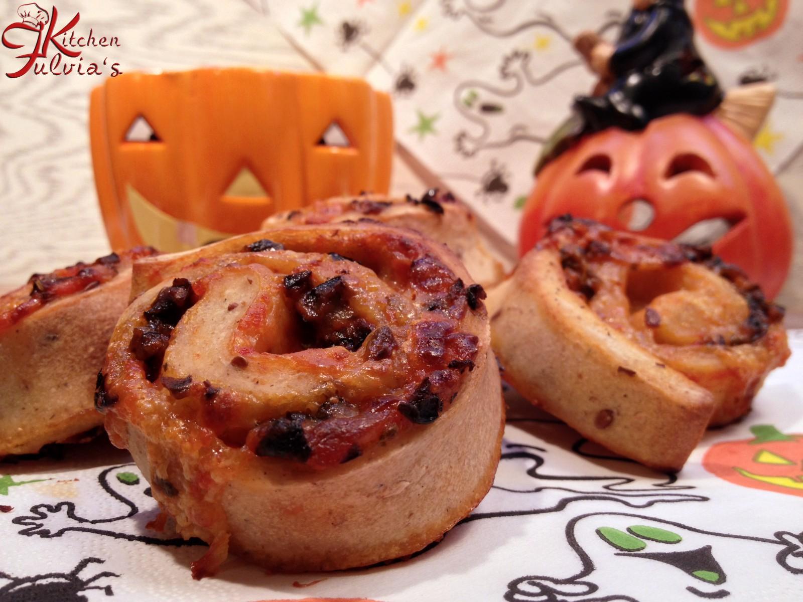 Girelle di pizza per Halloween con pasta madre