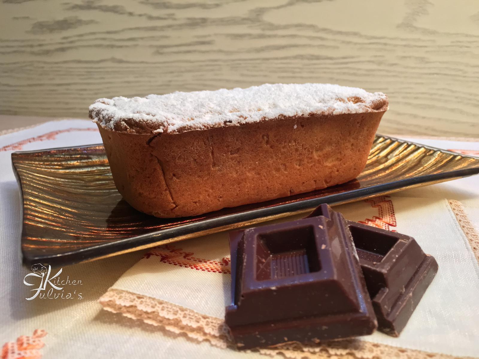 Plumcake cuore di cioccolato con frolla al mais e mandorle