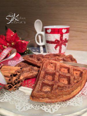 Waffle di Natale al profumo di cannella e zenzero