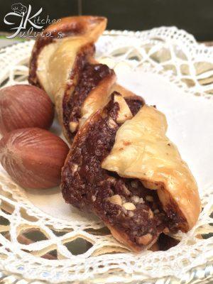 Trecce di brioche e sfoglia farcite con Nutella e nocciole