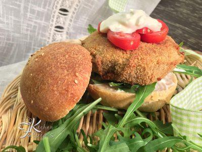 Burger con scamorza affumicata, cannellini e carciofi