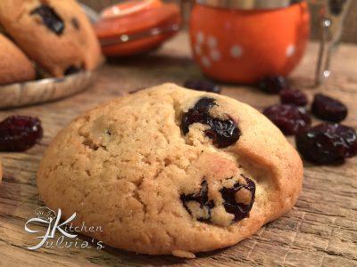 Biscotti golosi al mais, farro e mirtilli rossi