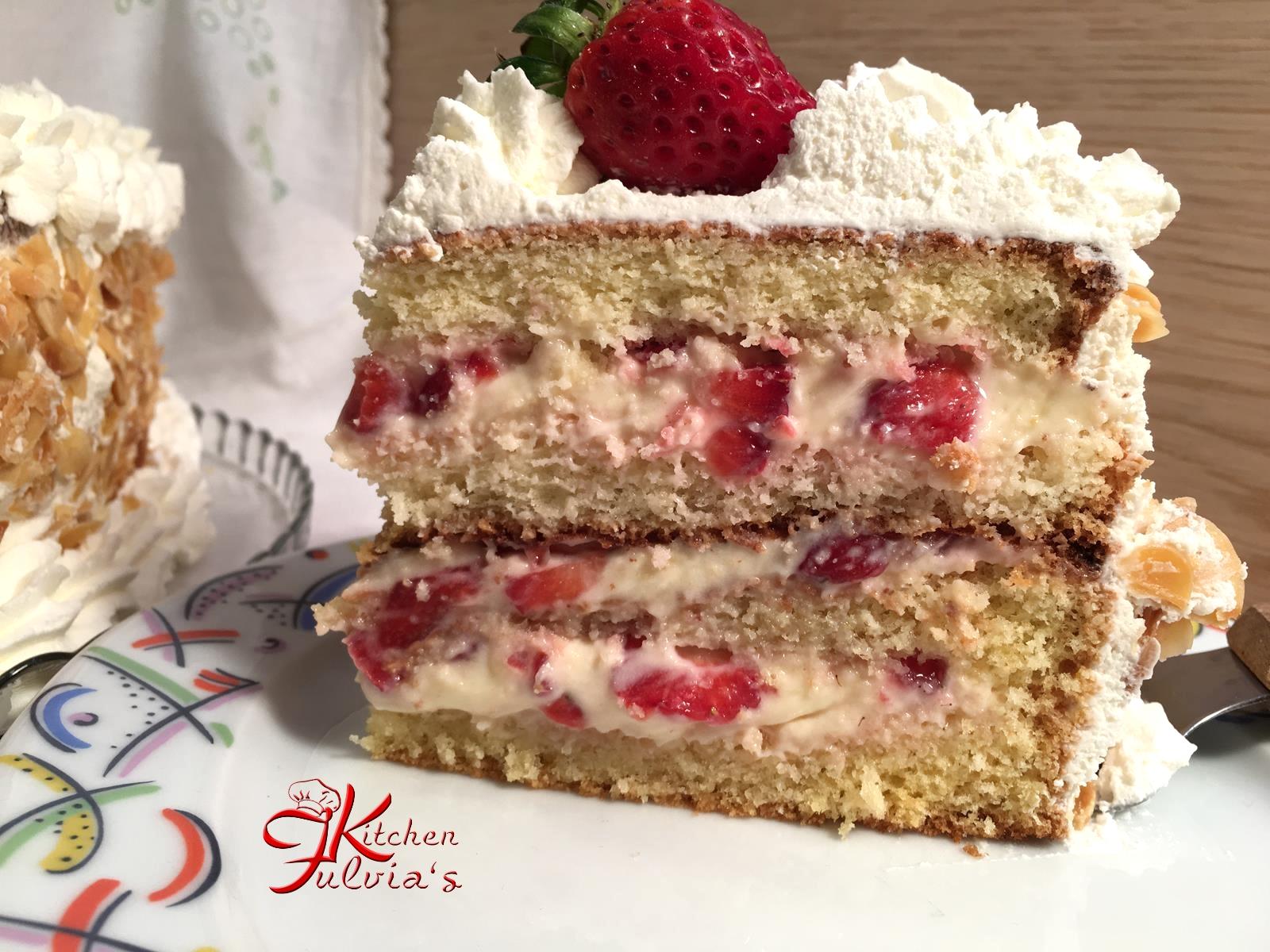 Torta Di Compleanno Con Panna E Fragole Videoricetta Fulvia S