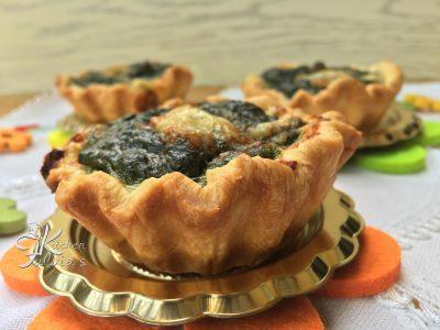 Cestini di sfoglia ripieni di spinaci, ricotta, pancetta e gorgonzola
