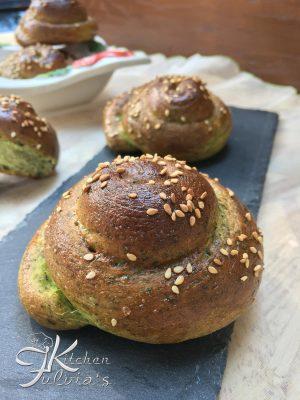Girandole di pane agli spinaci
