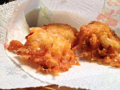 Bocconcini di cipolle e parmigiano fritti