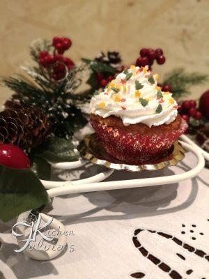 Cupcakes natalizi al cioccolato bianco, profumati con zenzero e cannella