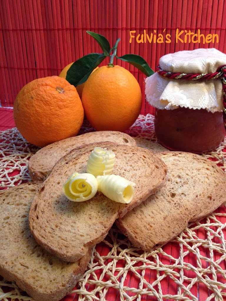 Fette biscottate integrali al profumo di arancia