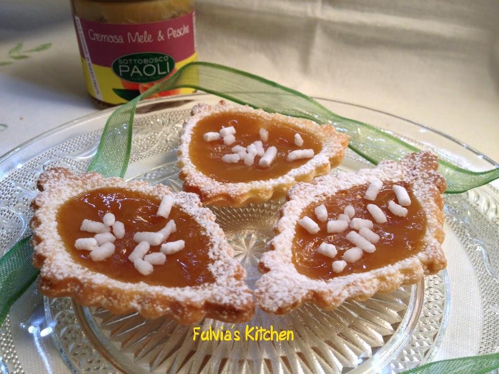 Tartellette con cremosa di mele e pesche di Sottobosco Paoli