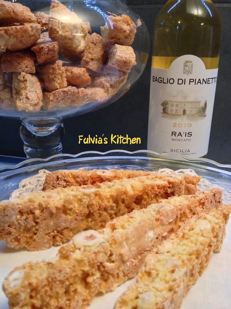 Tozzetti alle nocciole – Ra'is Moscato di BagliodiPianetto