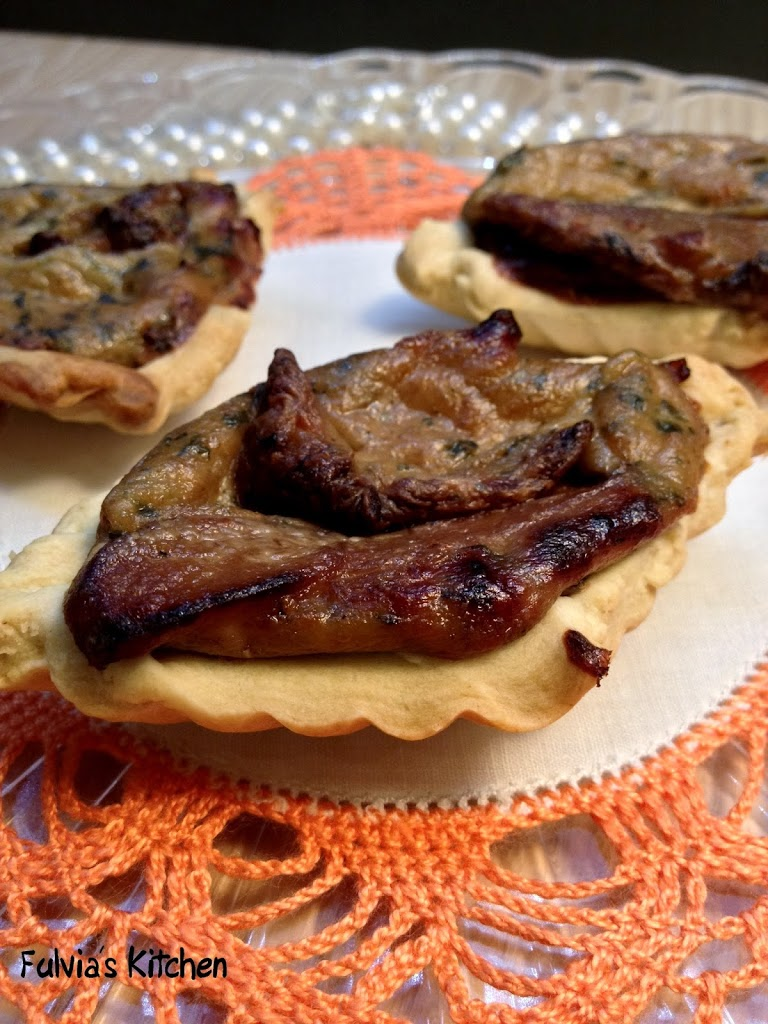 Tartellette vegan ai funghi porcini