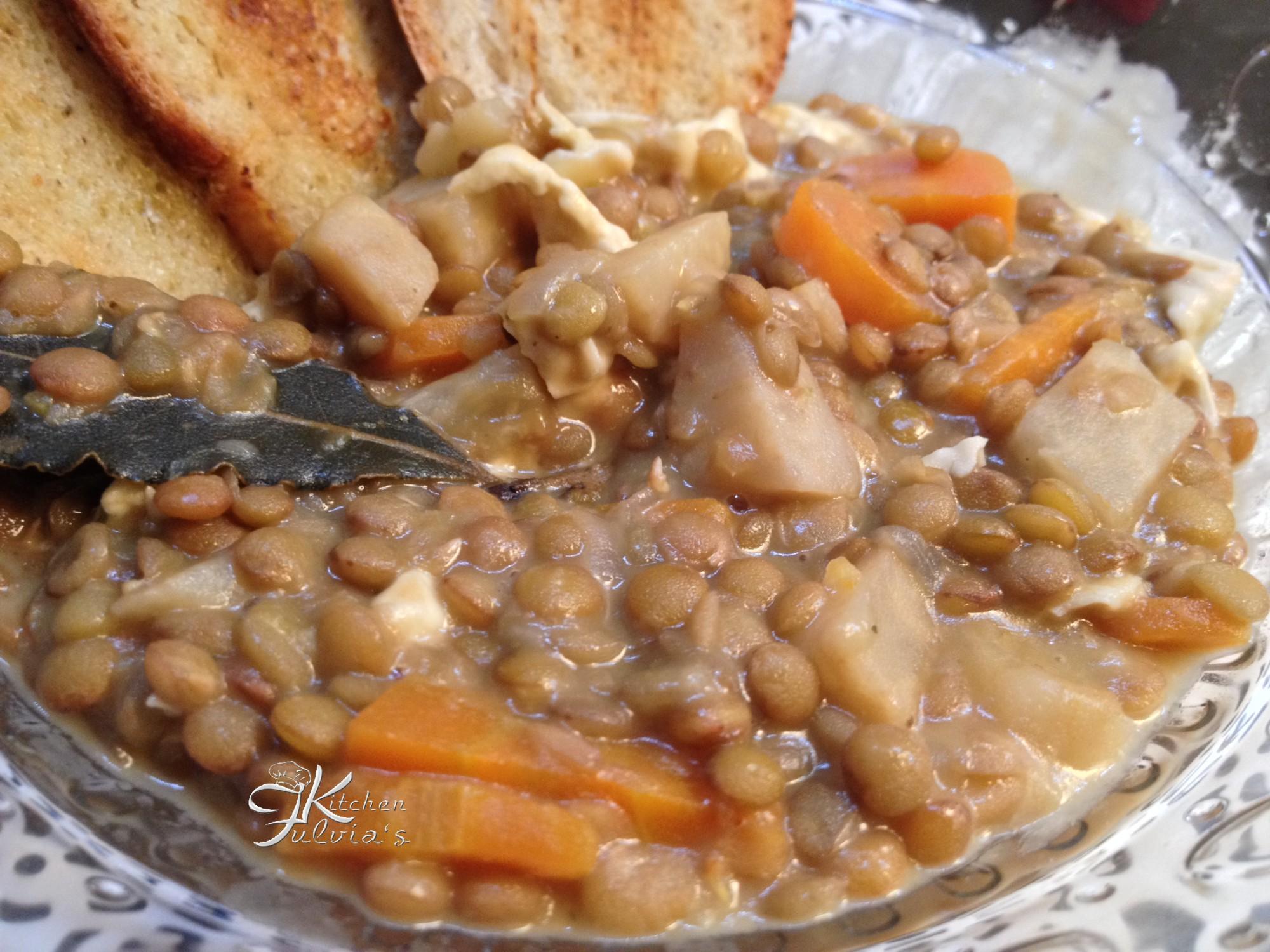 Lenticchie stufate con sedano rapa e Camembert