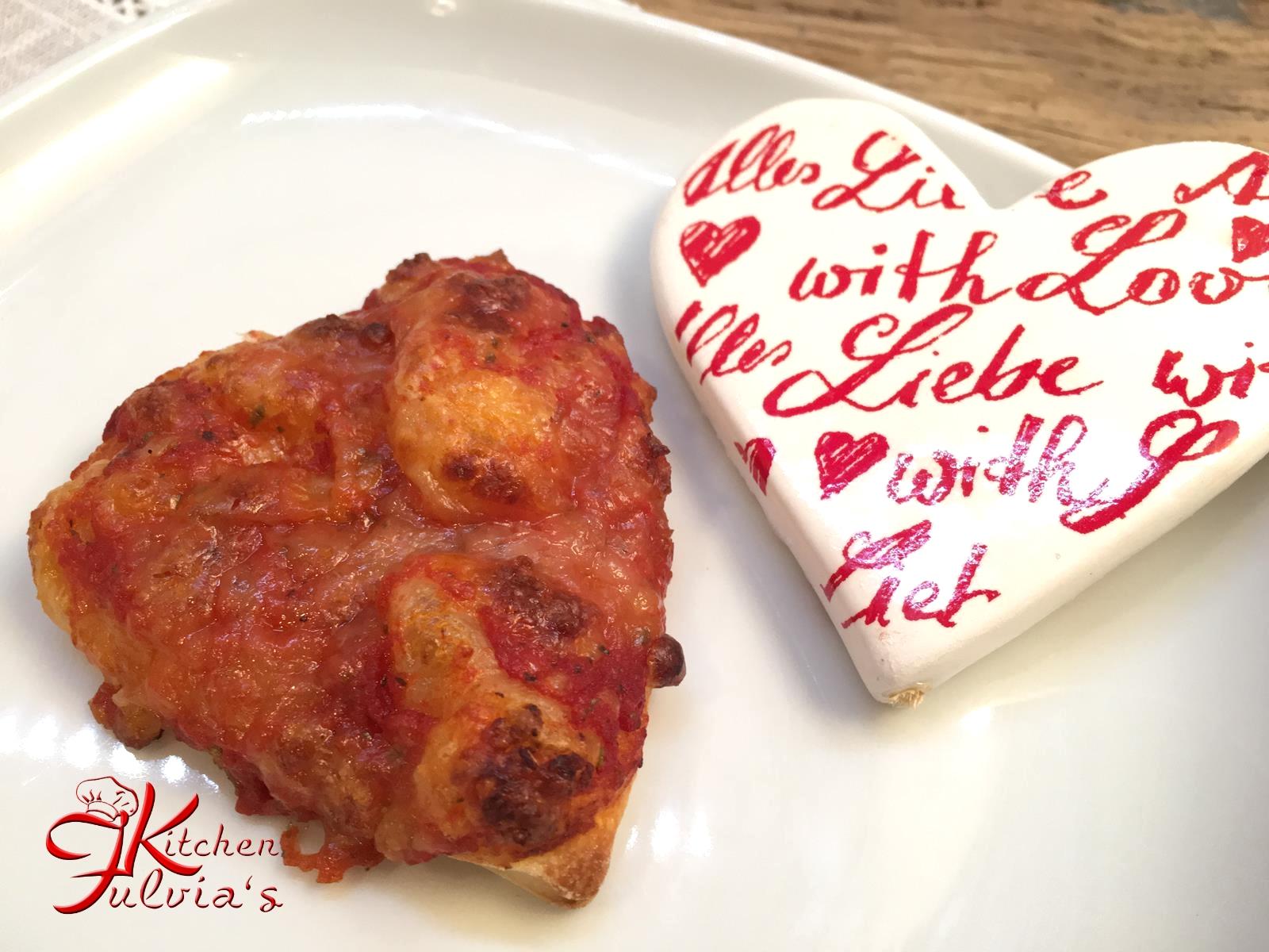 Pizzette per San Valentino con pasta madre