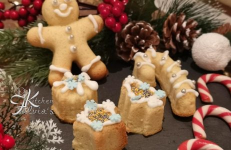 Biscotti frolle montate all'anice stellato per Natale la ricetta