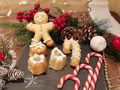 Biscotti frolle montate all'anice stellato per Natale