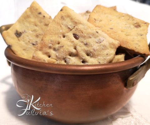 Crackers con Lievito Madre, semi oleosi e semi di finocchio la ricetta