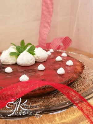 Torta morbida e light con le fragole