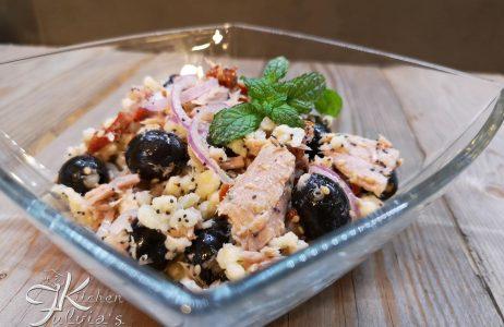 Insalata di fregola con tonno, cipollotto di Tropea e menta la ricetta