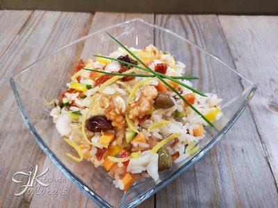Insalata di riso Thai con verdure e baccalà