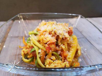 Spaghetti di verdure con ragù di tacchino