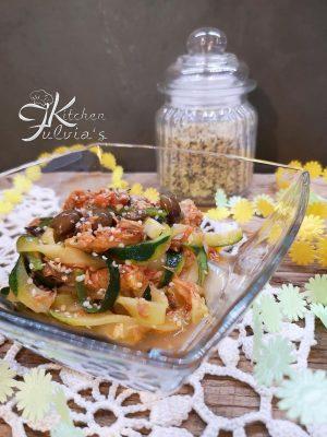 Tagliatelle di zucchine al tonno e olive taggiasche
